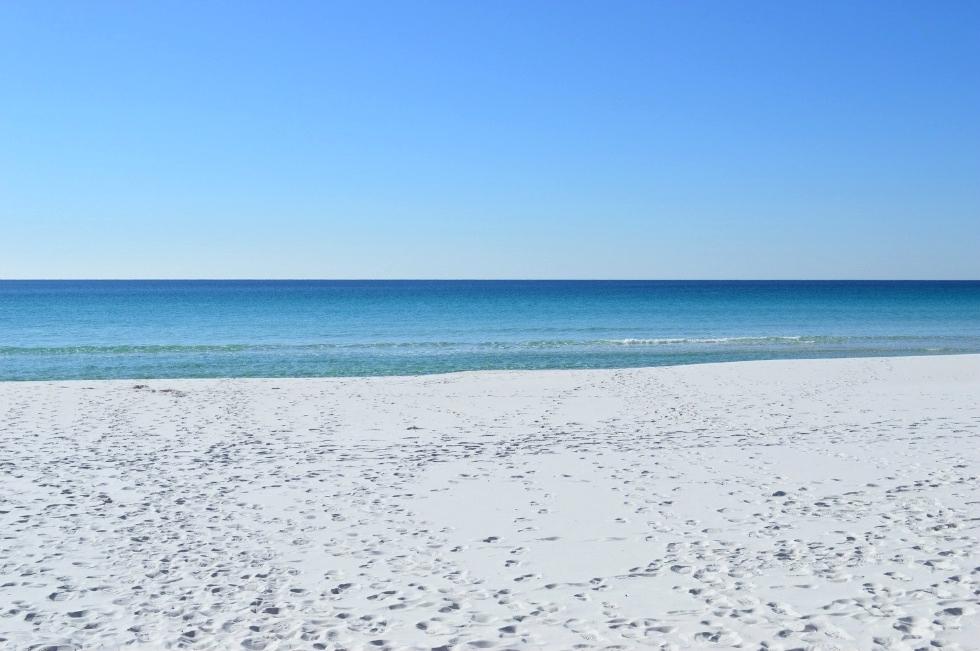 Pelican Beach Resort | Vacation Rental Unit 618 Florida Condo Rental